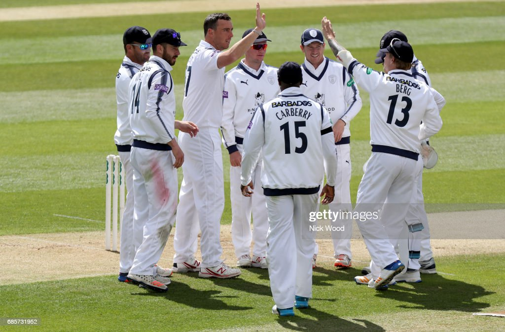 Essex v Hampshire - Specsavers County Championship: Division One : News Photo