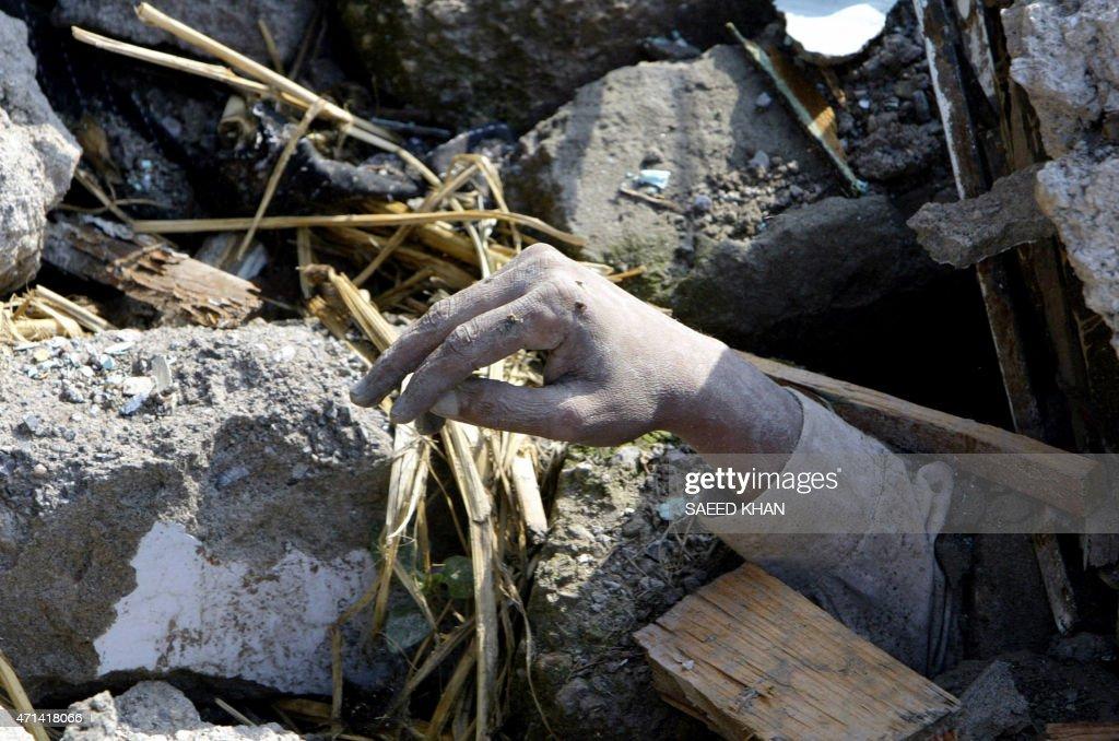 PAKISTAN-QUAKE-SASIA-VICTIM : News Photo