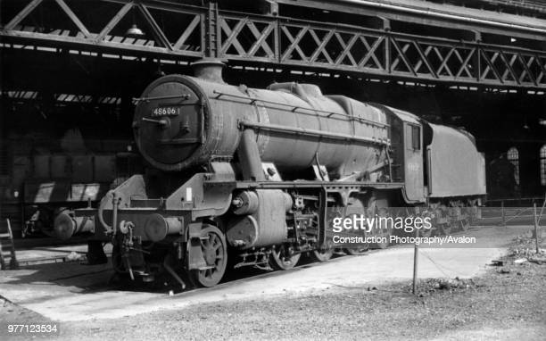 The handsome buisiness like lines of the Stanier 8F 280 is epitomised in this scene of No 48606 at Burton Upon Trent Motive Power depot