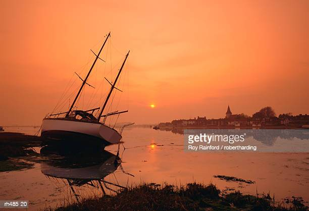 the harbour, bosham, chichester, west sussex, england, uk - chichester stock pictures, royalty-free photos & images