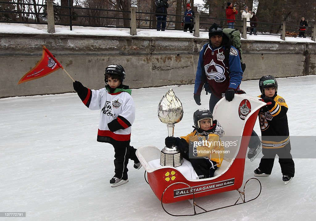 2012 NHL All-Star Game - Trophy Procession : News Photo