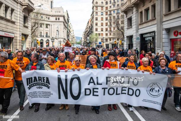 The head of the demonstration calling for decent pensions on its way through Vía Laietana Hundreds of retirees and pensioners have demonstrated in...
