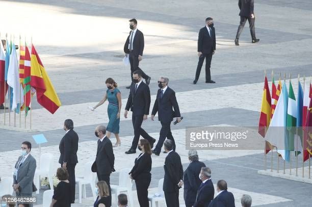 The head of the Emergency department of the Vall d'Hebron Hospital Aroa López the president of the Government Pedro Sánchez and Hernando Calleja...