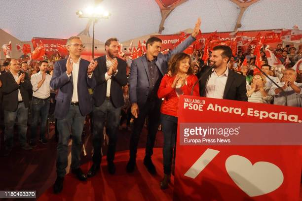 The head of the list for Valladolid's Congress Javier Izquierdo CEFPSOE spokesman and mayor of Valladolid Óscar Puente the acting president of the...