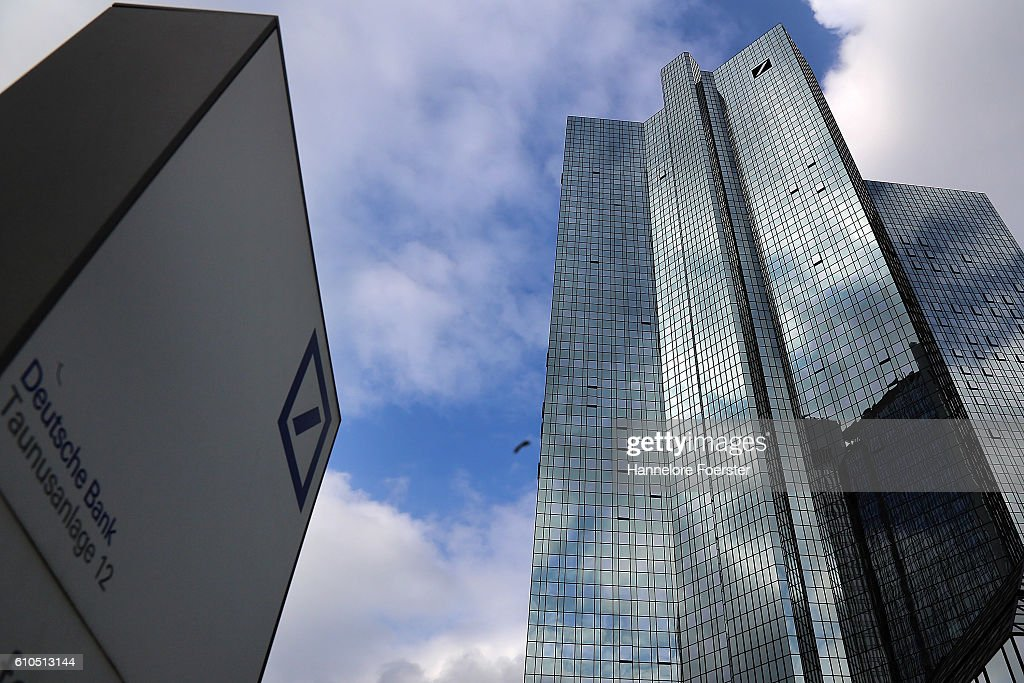 Deutsche Bank Shares Plummet : News Photo