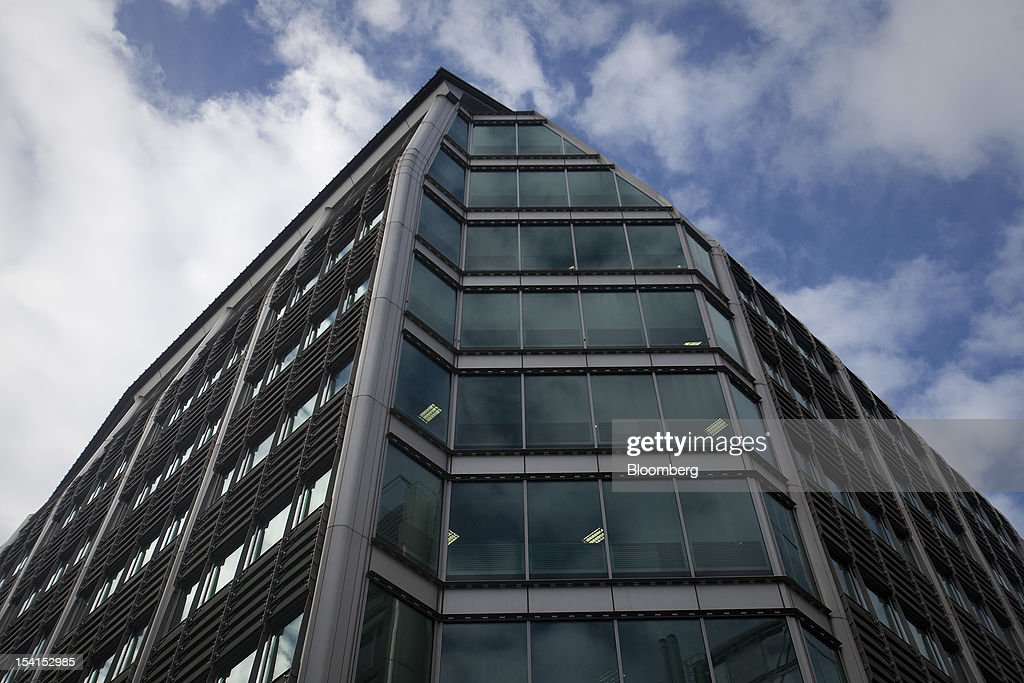 The headquarters of Lloyds Banking Group Plc are seen in London, U.K., on Monday, Oct. 15, 2012. U.S. homeowners filed a lawsuit against 12 banks, including Lloyds Banking Group Plc, Barclays Bank Plc, and JPMorgan Chase & Co., claiming that manipulation of the benchmark Libor lending rate made their mortgage repayments more expensive. Photographer: Simon Dawson/Bloomberg via Getty Images