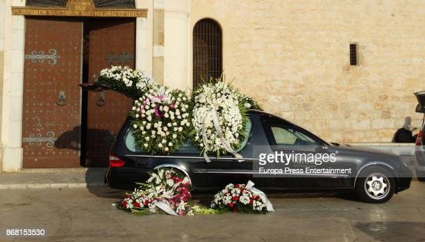 The hearse at Susana Prat's funeral on October 27 2017 in Sitges Spain Susana Prat who is the singer Antonio Orozco's ex girlfriend and mother of his...