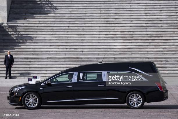 The hearse carrying Rev Billy Graham arrives at the US Capitol where he will be Laidin Honor in Washington USA on February 28 2018