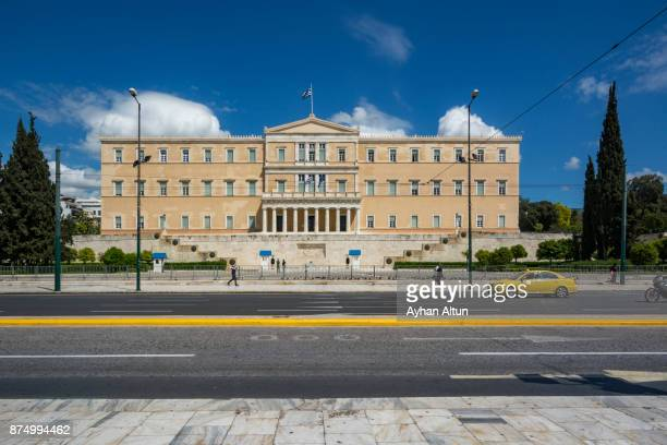 the hellenic parliament building in athens,greece - ギリシャ国会議事堂 ストックフォトと画像