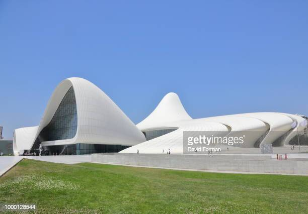 the heydar aliyev center in baku, azerbaijan. - heydar aliyev stock pictures, royalty-free photos & images