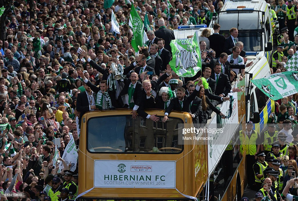 Hibernian Parade to celebrate winning William Hill Scottish Cup : News Photo