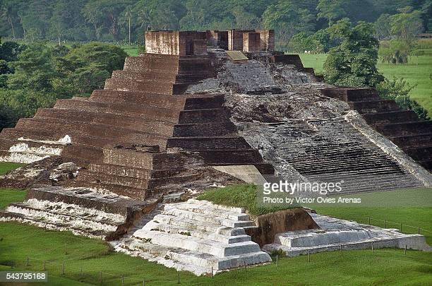 the hieroglyphic stairway - victor ovies fotografías e imágenes de stock