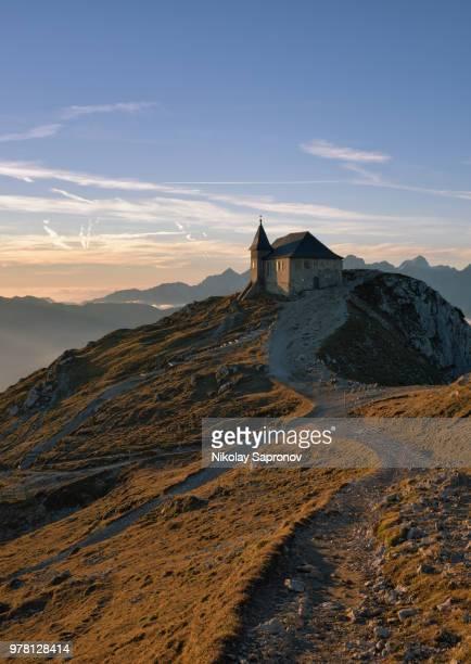 the highest austrian church (die kirche maria am stein) - kirche - fotografias e filmes do acervo