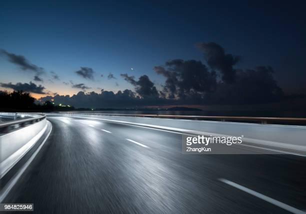 the highway in sanya - sportstrecke stock-fotos und bilder