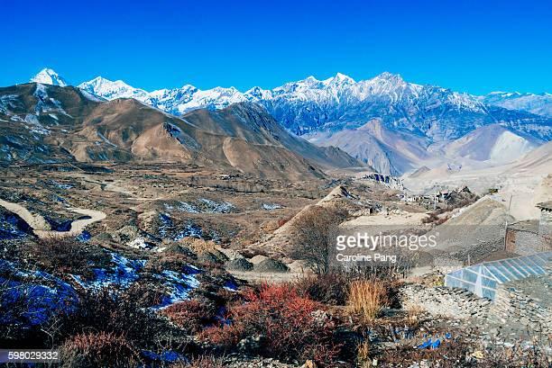 the himalayan landscape, nepal - caroline pang stock pictures, royalty-free photos & images