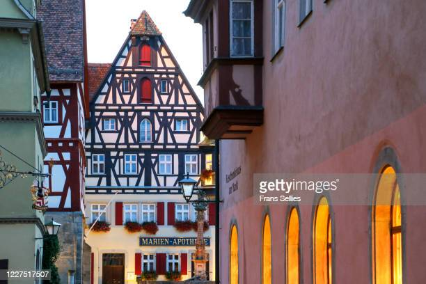 the historic town of rothenburg ob der tauber, bavaria, germany - frans sellies stock pictures, royalty-free photos & images