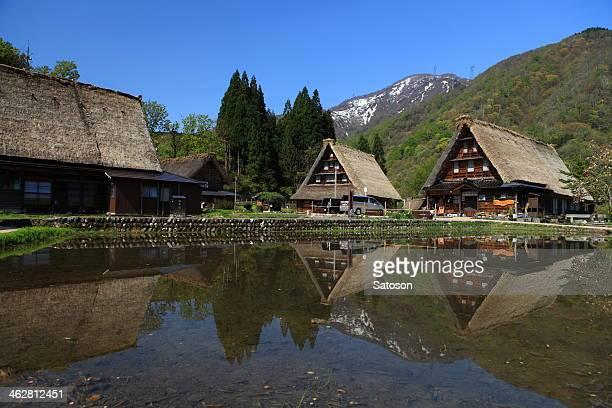 the historic village of gokayama - 富山県 ストックフォトと画像