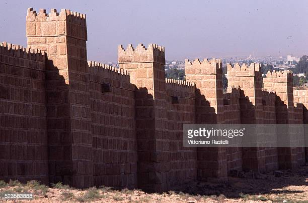 the historic walls of niveneh - ninawa stock pictures, royalty-free photos & images
