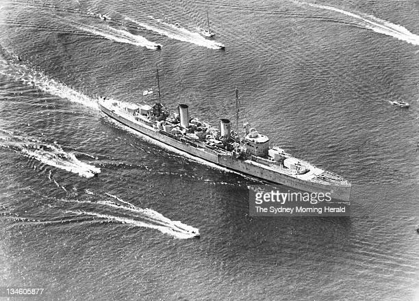 The HMAS Perth sails into Sydney Harbour, 16 April 1940.
