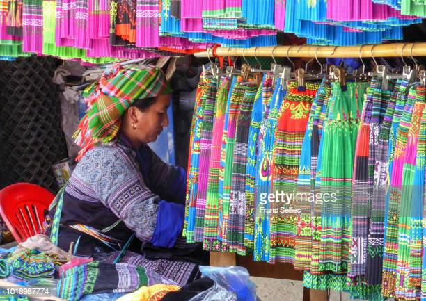 the hmong dressmaker, northern vietnam - mù cang chải stock pictures, royalty-free photos & images