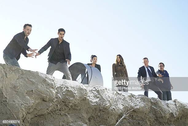 The Hole Truth Team Scorpion must save a man teetering on the edge of a massive sink hole that threatens to destroy the Los Angeles water supply...