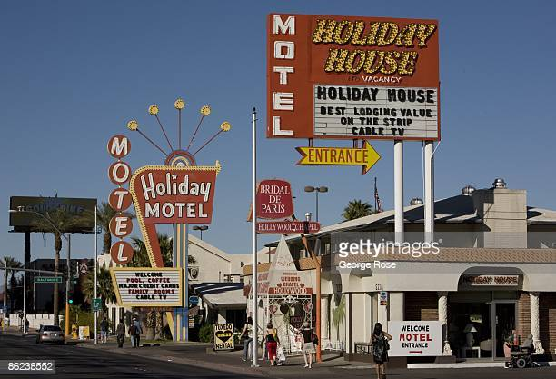 The Holiday House Motel Located Next To Hollywood Wedding Chapel On Famed Las Vegas