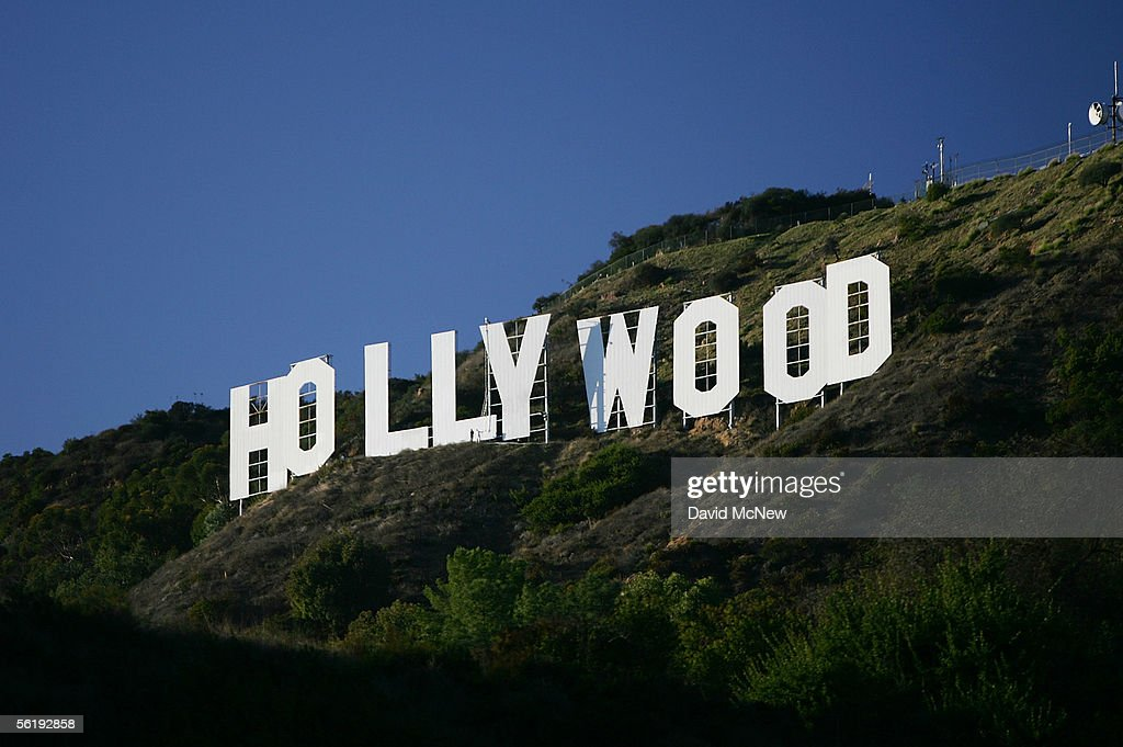 Hollywood Sign Begins Month-Long Makeover : News Photo