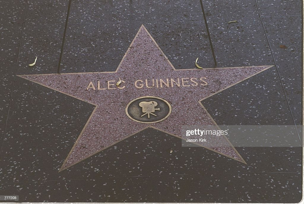 Sir Alec Guinness Dead At 86 : News Photo