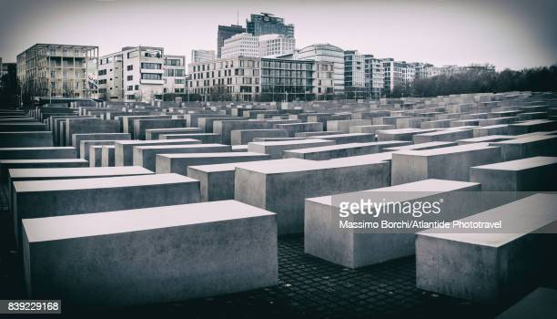 the holocaust-mahnmal - holocaust in color stock pictures, royalty-free photos & images