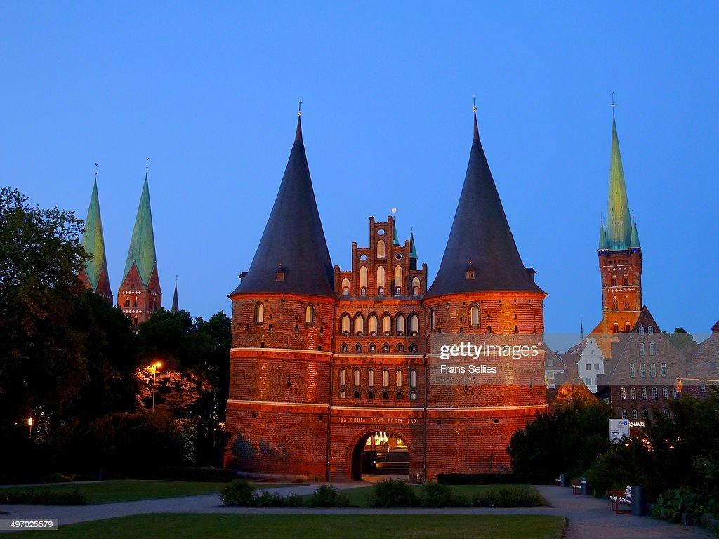 The Holsten Gate in Lübeck : News Photo