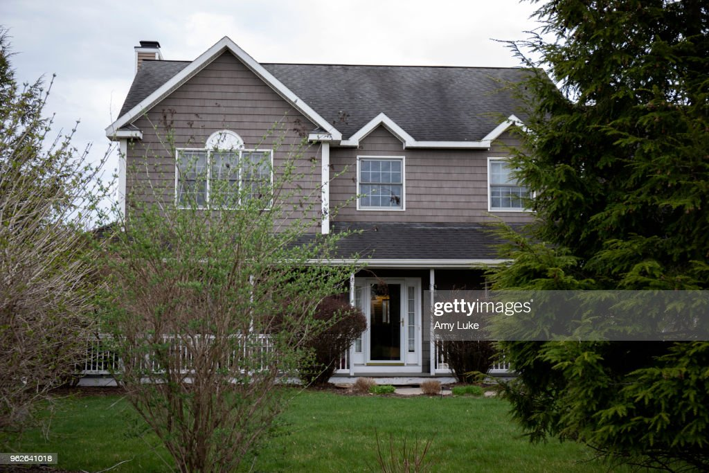 Residences of NXIVM Leaders, Members : News Photo