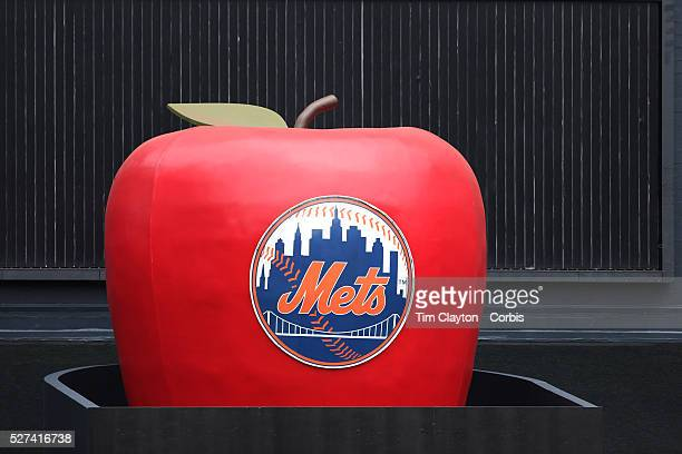 The 'home run' big apple during the New York Mets V Saint Louis Cardinals Baseball game at Citi Field Queens New York USA 13th June2013 Photo Tim...