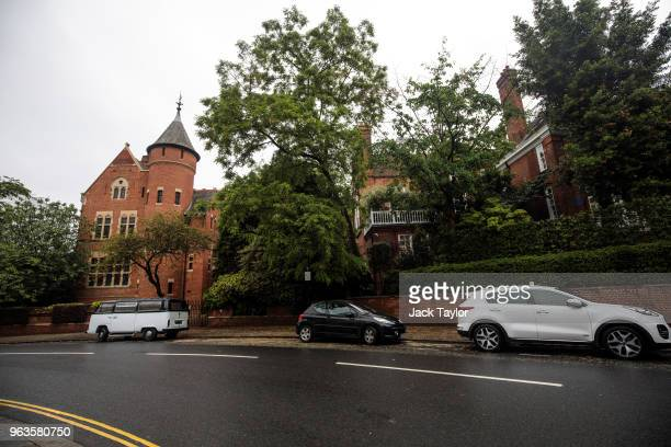 The homes of Jimmy Page and Robbie Williams stand in Kensington and Chelsea on May 29 2018 in London England British singer Robbie Williams has been...