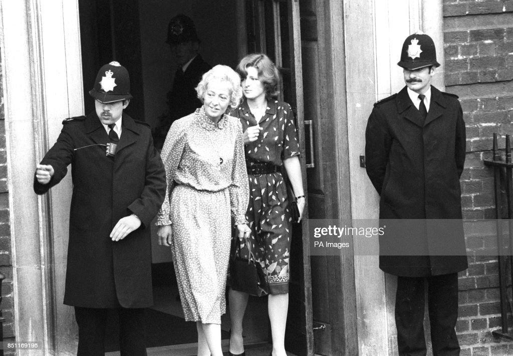 Royalty - Birth of Prince William - Frances Shand Kydd - St Mary's Hospital, London : News Photo