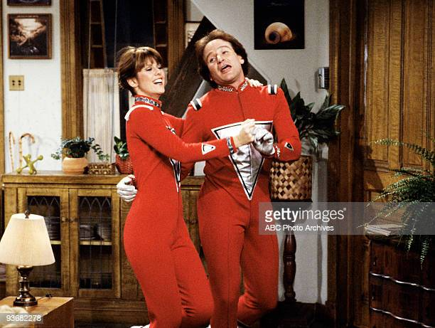 MORK MINDY The Honeymoon Season Four 10/22/81 Mindy and Mork adjusted to married life