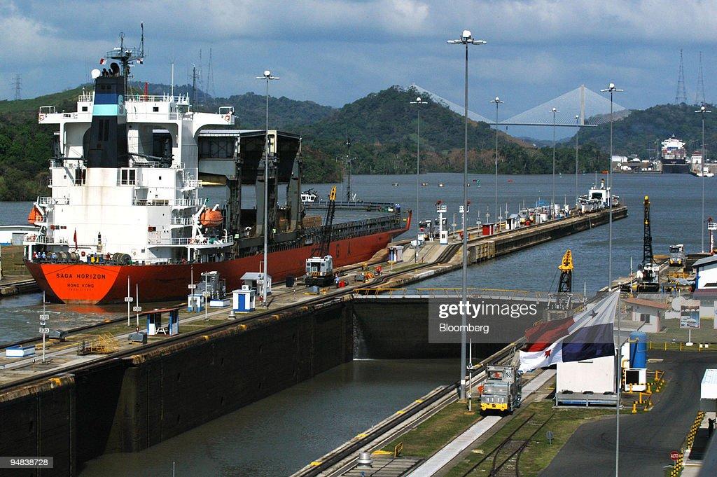 The Hong Kong flagged cargo ship Saga Horizon crosses Mirafl : News Photo