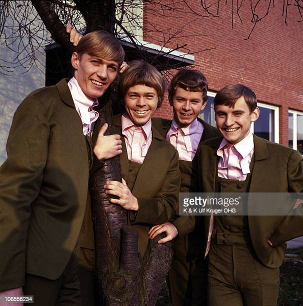 The Hootenanny Singers featuring Bjorn Ulvaeus later of Abba second left pose for a group portrait in 1966 in Hamburg Germany