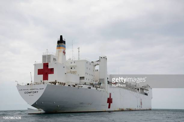 The hospital ship USNS Confort, of the Navy of the United States began the medical attentions in the city of Esmeralda. A Sikorsky UH-60 Black Hawk...