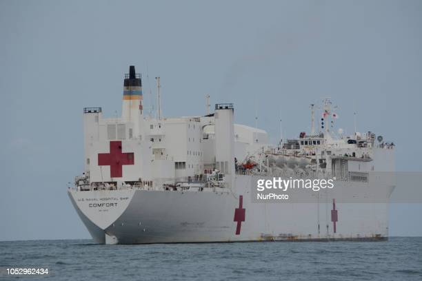The hospital ship USNS Confort of the Navy of the United States began the medical attentions in the city of Esmeralda A Sikorsky UH60 Black Hawk...