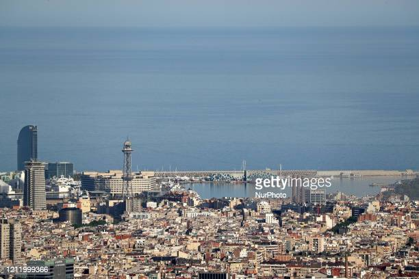 The Hotel W and the port of Barcelona Barcelona reaches historic lows in air pollution on 06th May 2020