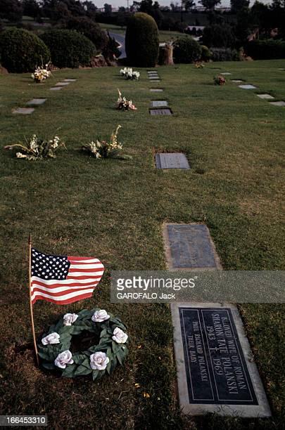 The House Of Sharon Tate. Californie, Bel Air- octobre 1969- la propriété de Sharon TATE, actrice américaine; La plaque commémorant la mort de Sharon...
