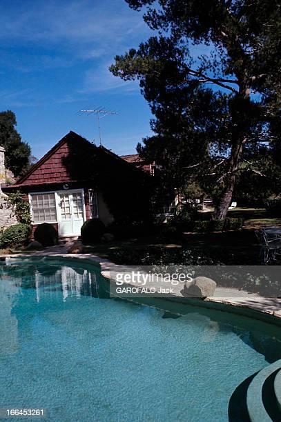 The House Of Sharon Tate. Californie, Bel Air- octobre 1969- vue intérieure de la propriété de Sharon TATE, actrice américaine, avec la piscine au...