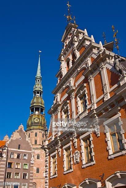 The House of the Blackheads and St. Peters church at the Latvian Riflemen Square (Latviesu strelnieku laukums), Riga, Latvia, Baltic States, Europe