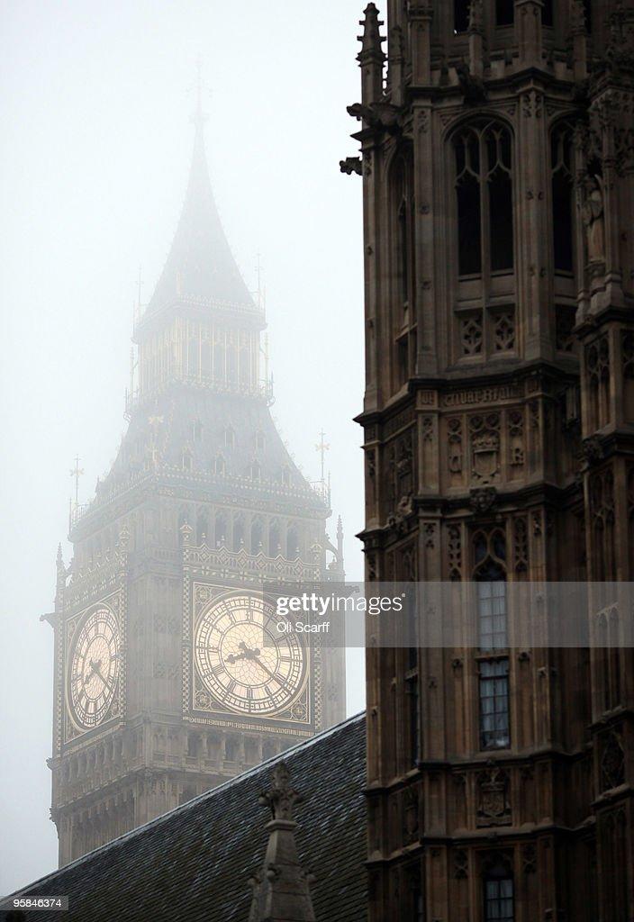 Morning Fog Shrouds The Capital : News Photo