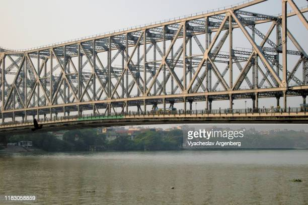 the howrah bridge, kolkata, india - argenberg - fotografias e filmes do acervo