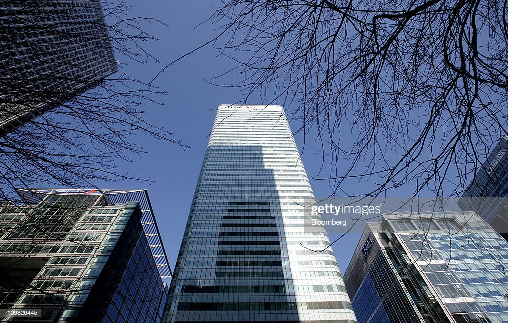 The HSBC Holdings Plc headquarters, center, is seen in Canary Wharf