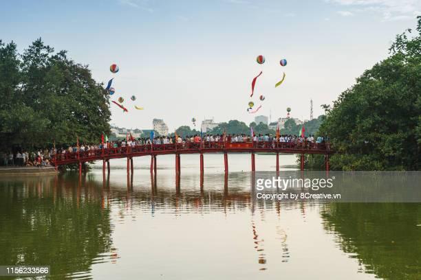 the huc bridge, hanoi, vietnam - hanoi stock pictures, royalty-free photos & images