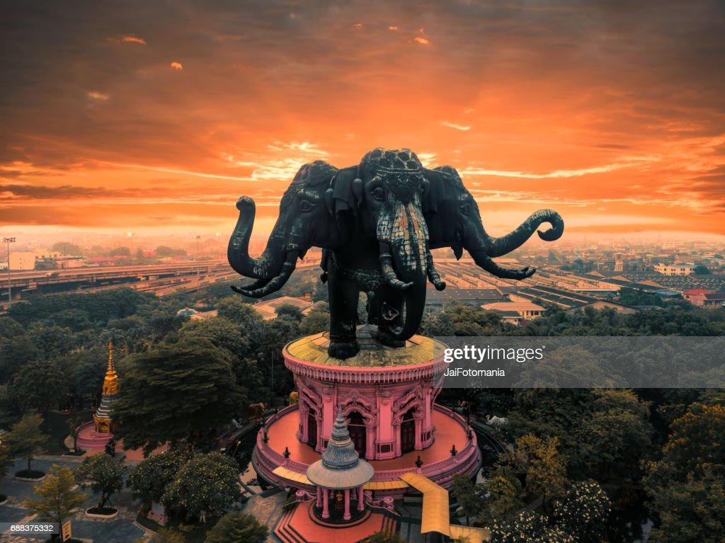 The Hugh Earawan Statue with sunrise : Stock Photo