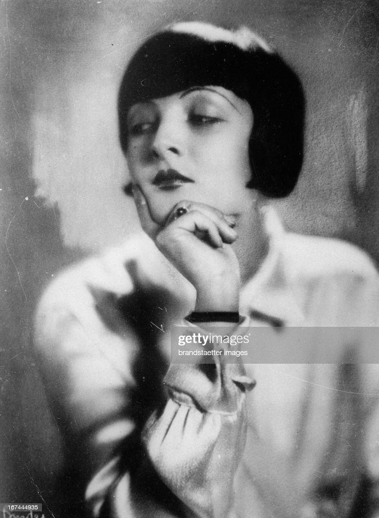 The Hungarian actress and dancer Lya de Putti. Portrait. About 1928. Photograph. (Photo by Imagno/Getty Images) Die ungarische Schauspielerin und Tänzerin Lya de Putti. Portrait. Um 1928. Photographie.