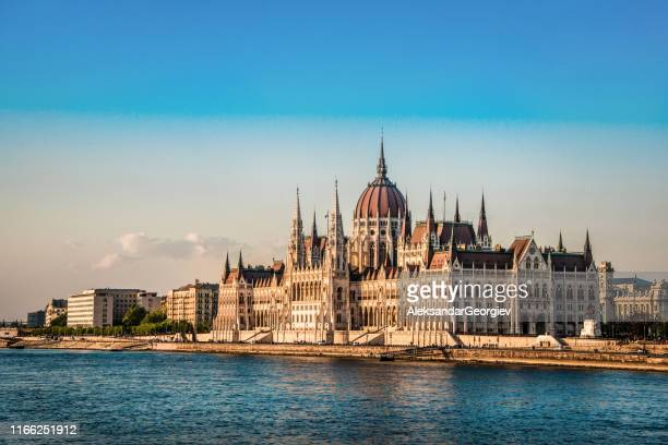 the hungarian parliament in pest - hungary stock pictures, royalty-free photos & images